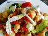 Salata od leblebija sa feta sirom