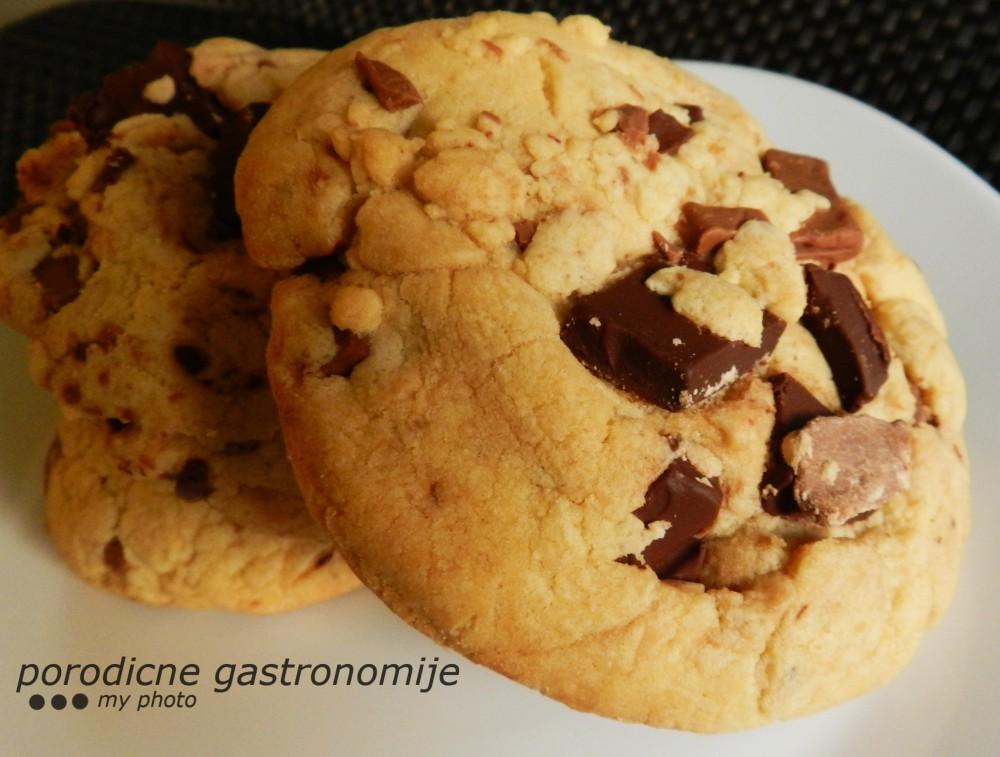 domaci kolacici sa komadicima cokolade 2