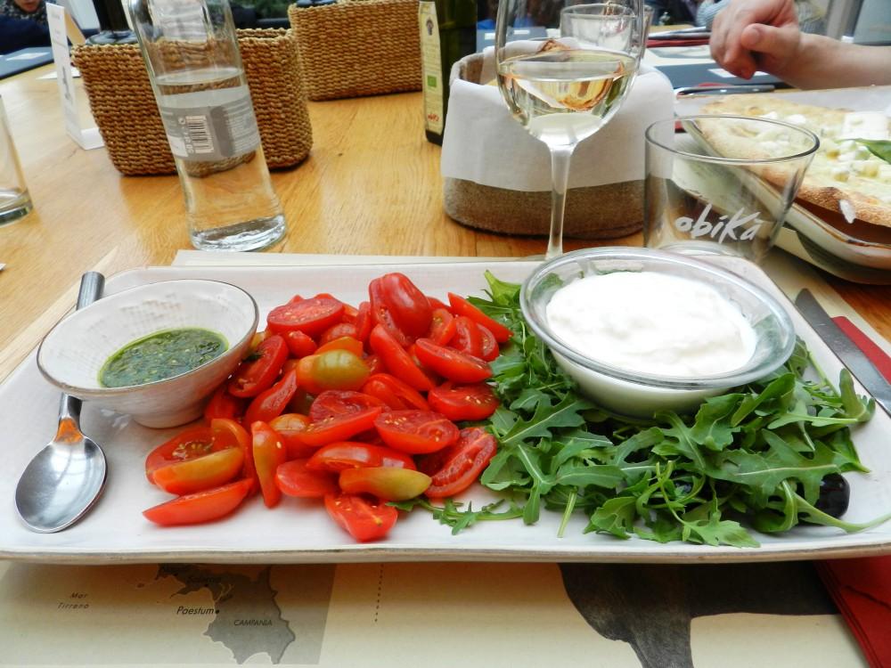 Milano, Mozzarella Bar, Mozzarella Stracciatella di Burrata con Pomodorini Datterini, Foto: Porodične gastronomije