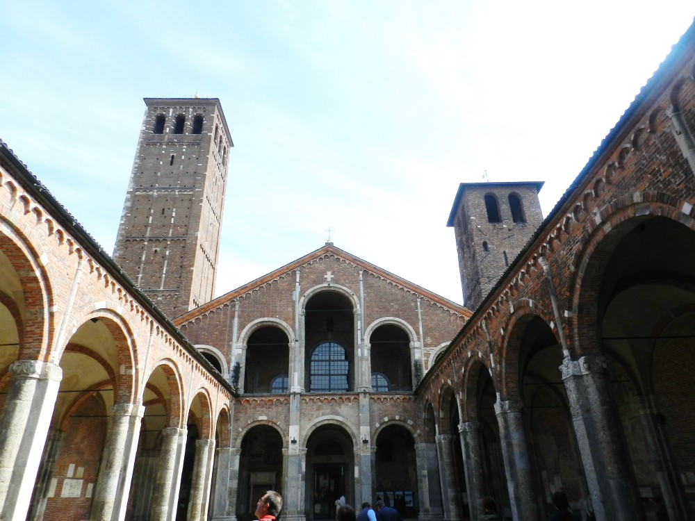 Milano, Bazilika Svetog Ambrozija, Foto: Porodične gastronomije