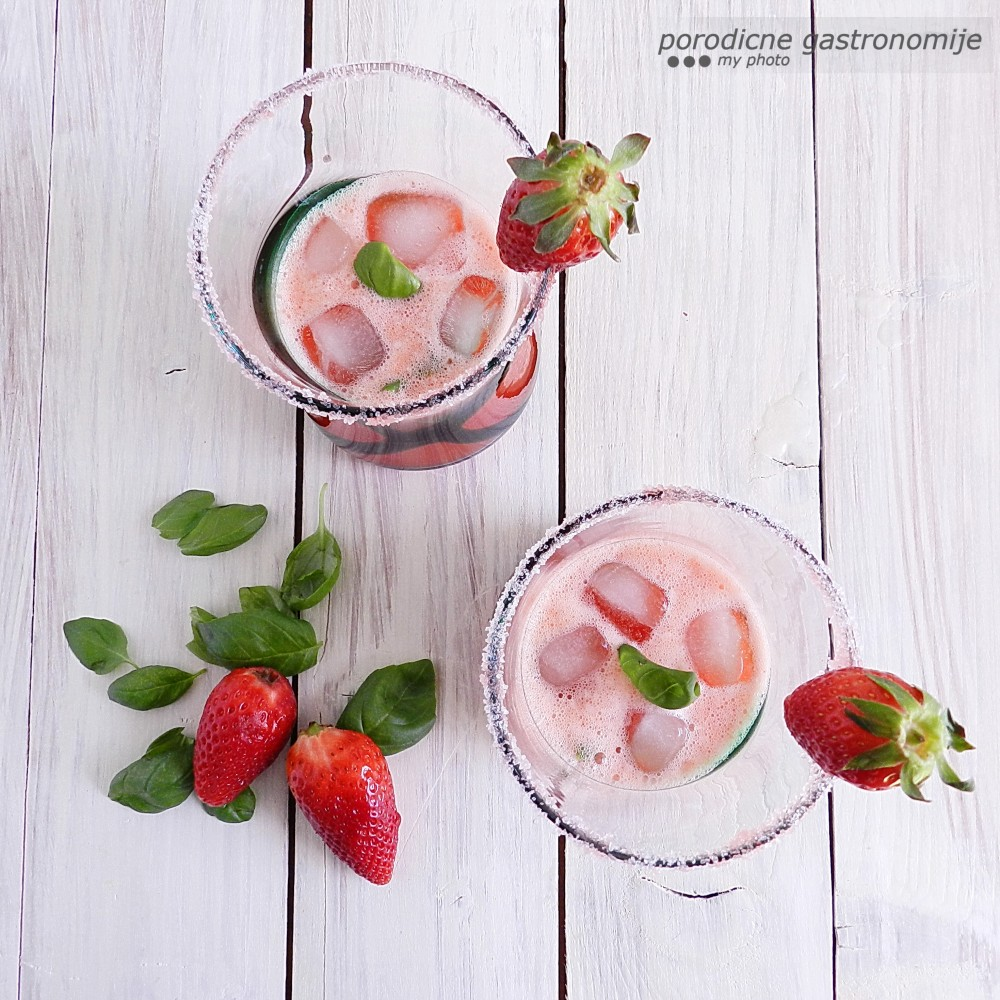 limunada od jagoda4 sa wm