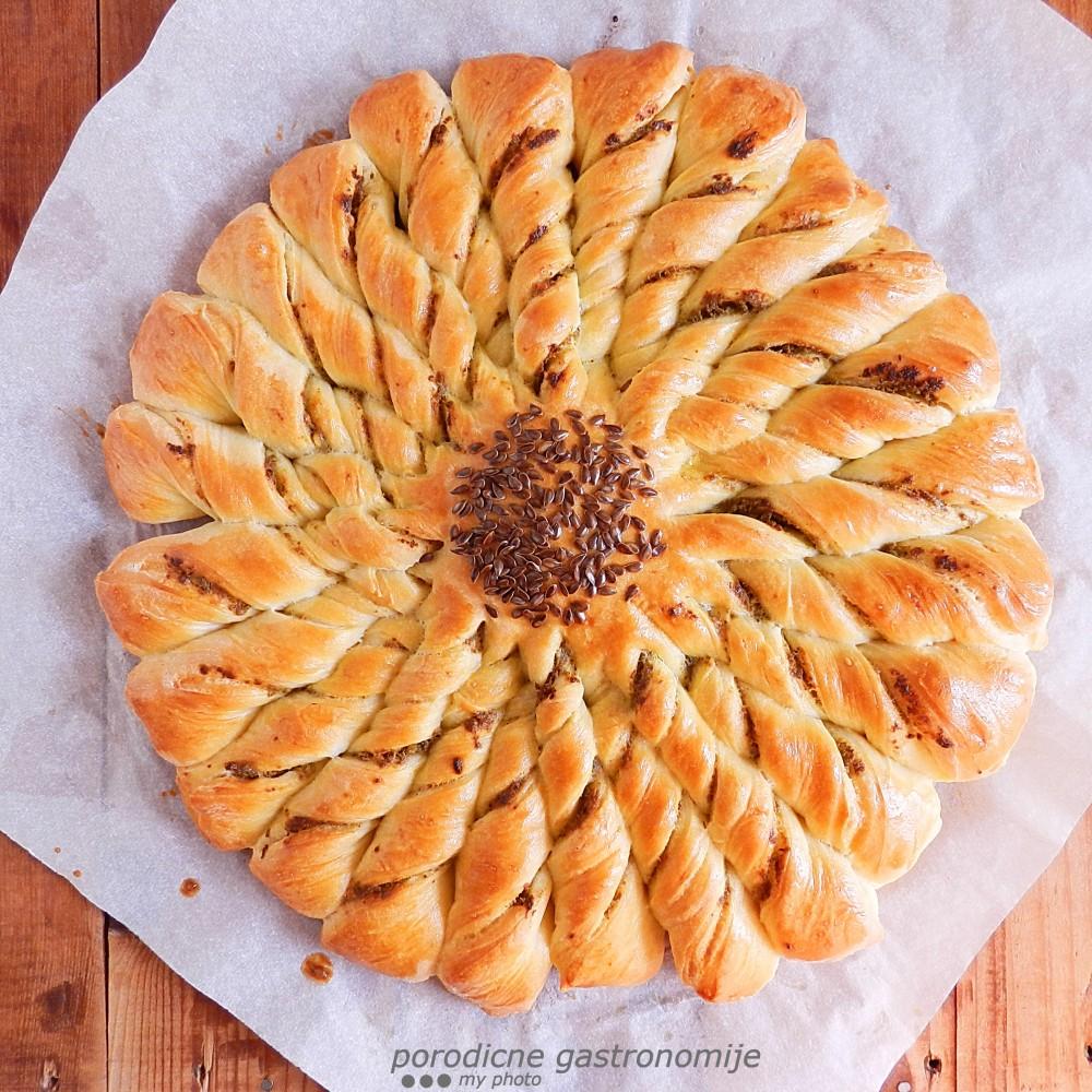 hleb cvet1 sa wm