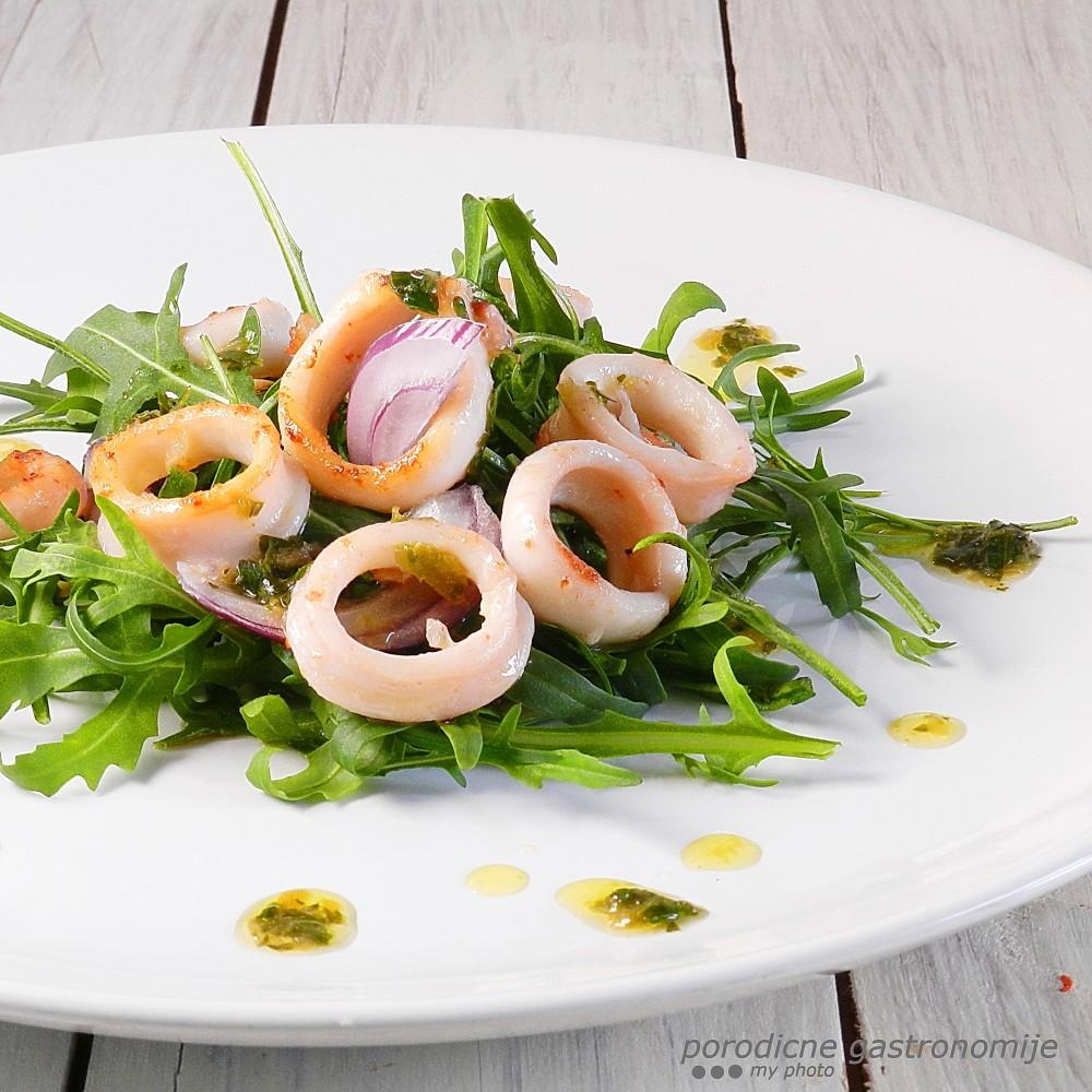 salata sa lignjama2 sa wm