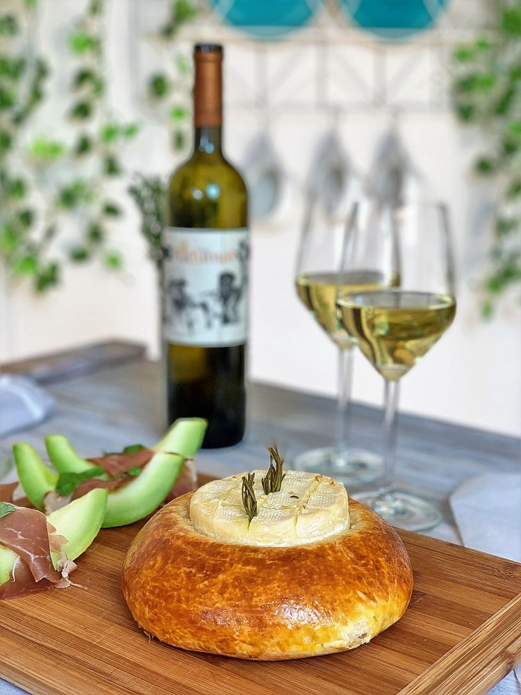 sir pečen u hlebu